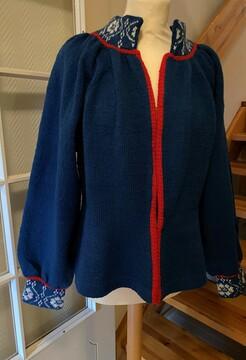 strikket jakke til trønderbunad